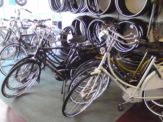 Fotogallerie Zweiradhuette Köln Sülz Laden